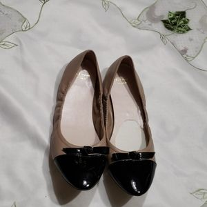 Cole Haan flats tan and black size 8